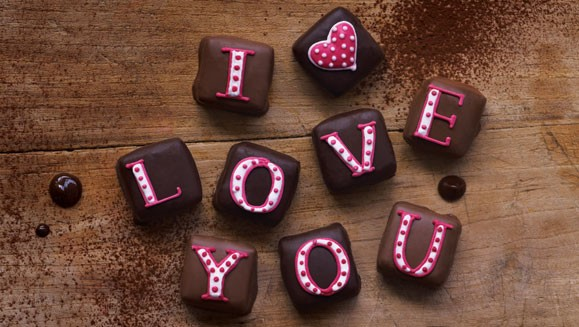 Happy Chocolate Day Love WhatsApp collection